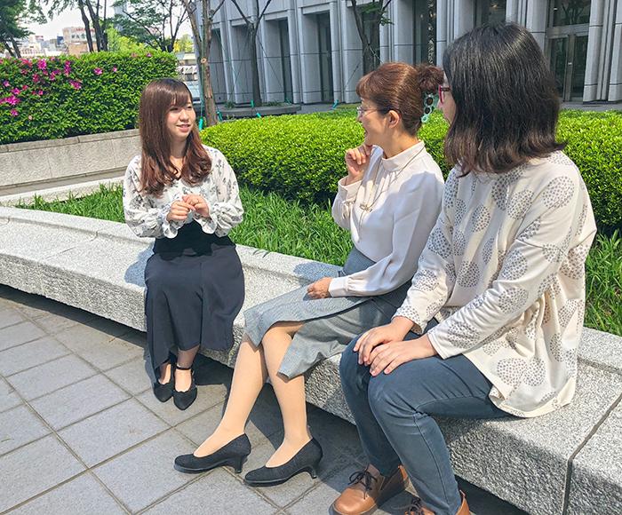 【写真:3人の座談会風写真】
