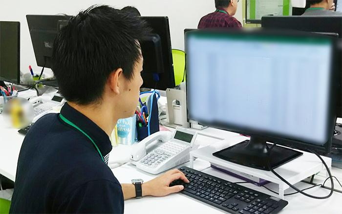 002_PC作業中