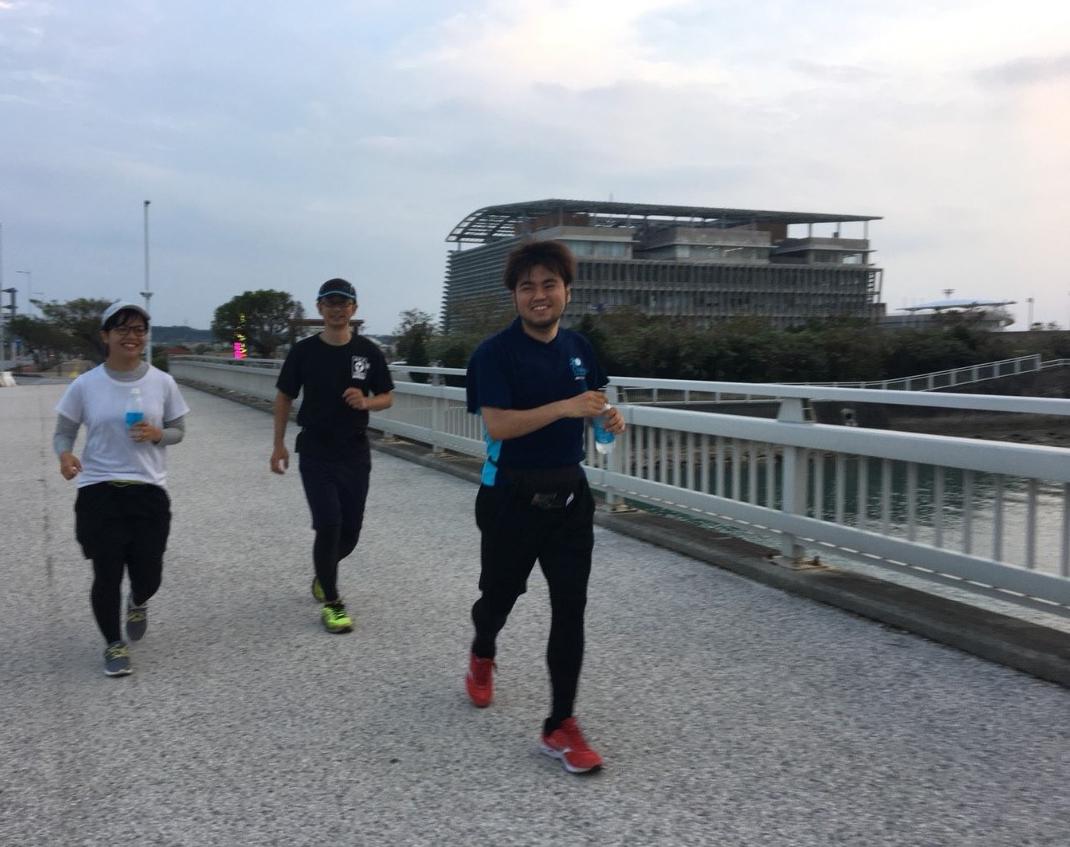 NAHAマラソン写真1_練習中4